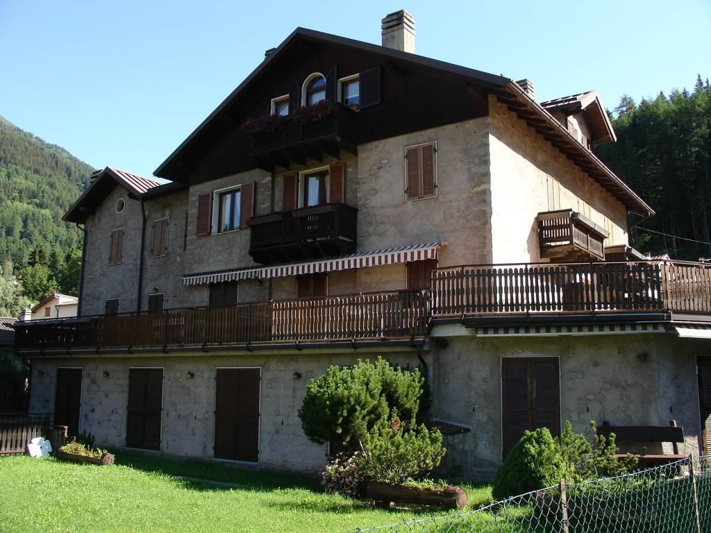 affitto Trilocali a Ponte di Legno, Brescia in Via Nino Bixio